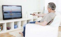 """对老人不友好吗?电视不应该背""""黑锅"""""""